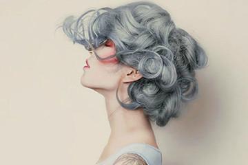 奶奶灰头发图片